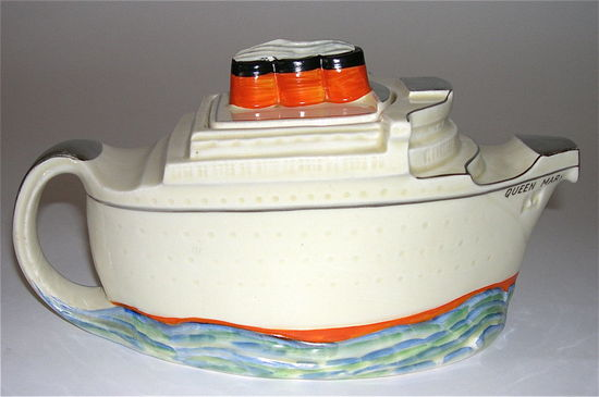 Queen-Mary-Maiden-Voyage-teapot3.jpg