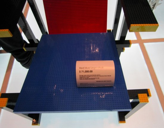 Red-blue-lego-chair_1.jpg