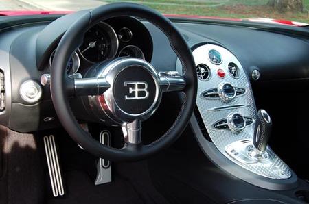 Red_Bugatti_Veyron_4.jpg