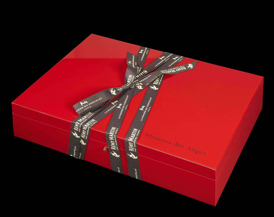 Remy-Martin-XO-Mysteries-Gift-Box2.jpg