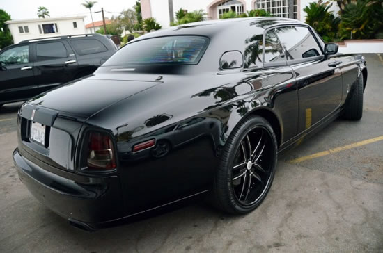 Rolls-Royce-Phantom-Coupe-With-Carbon-Fiber-Wrap-3.jpg