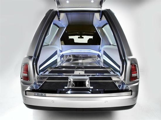 Rolls-Royce-Phantom-Hearse-02.jpg
