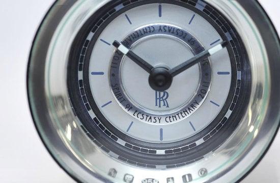 Rolls-Royce-Spirit-Of-Ecstasy-2.jpg