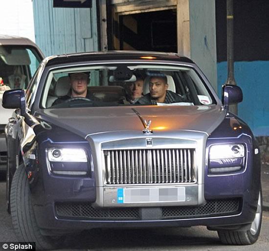 Rolls-Royce-electric-zero-emission-stretch-limo2.jpg