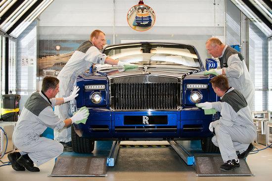 Rolls-Royce_Phantom_Drophead_Coupé_3.jpg
