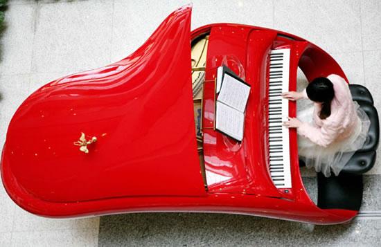 Rolls-Royce_piano2.jpg