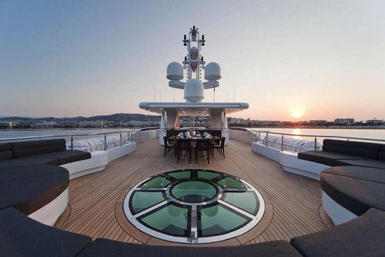 Russian-President-Medvedev's-superyacht2.jpg