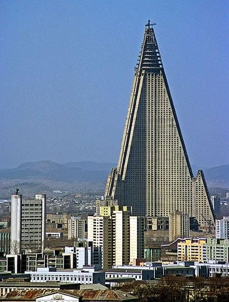 Ryugyong_Hotel.jpg