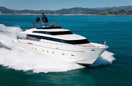 SL100_superyacht2.jpg