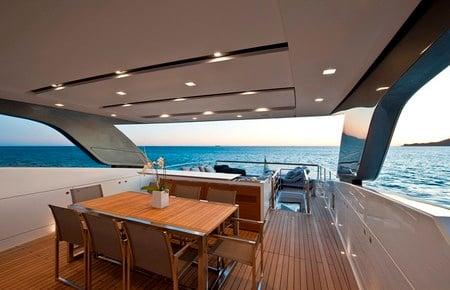 SL100_superyacht3.jpg