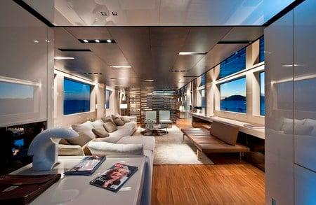SL100_superyacht4.jpg