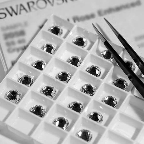 Sabbia-Swarovski--crystal-bathtubs3.jpg