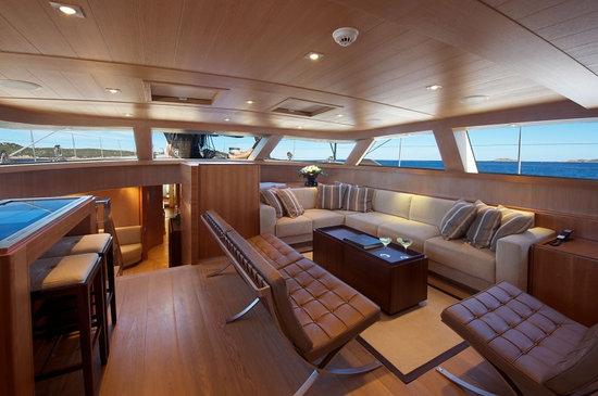 Sarissa-luxury-yacht-3.jpg