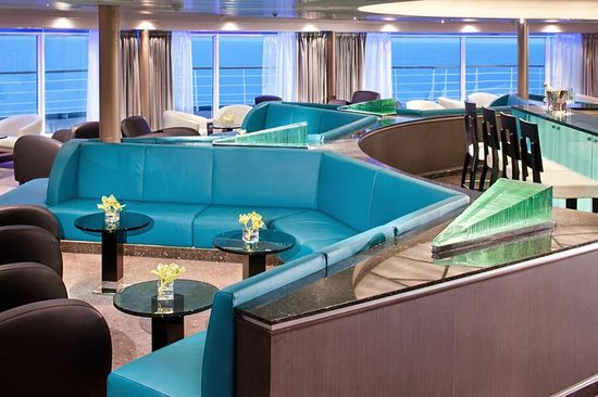 Seabourn-cruises-Observation-bar.jpg