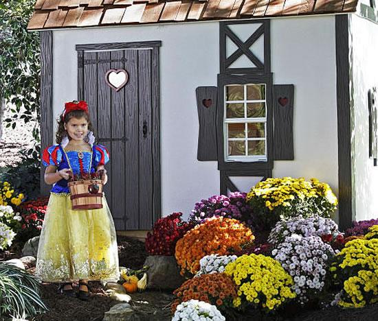 Snow-Whites-Cottage-Playhouse-2.jpg