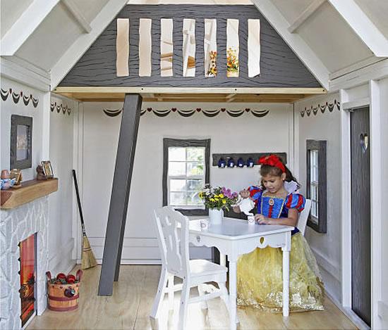 Snow-Whites-Cottage-Playhouse-3.jpg