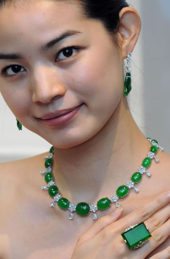Sotheby S Hong Kong Lines Up Scintillating Range For