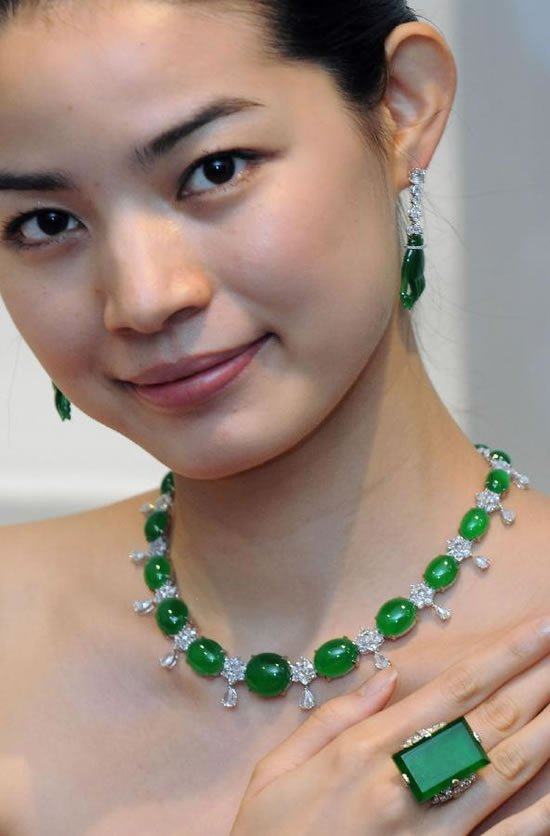 Sotheby-Magnificent-Jewels-and-Jadeite-Autumn-Sale-4.jpg