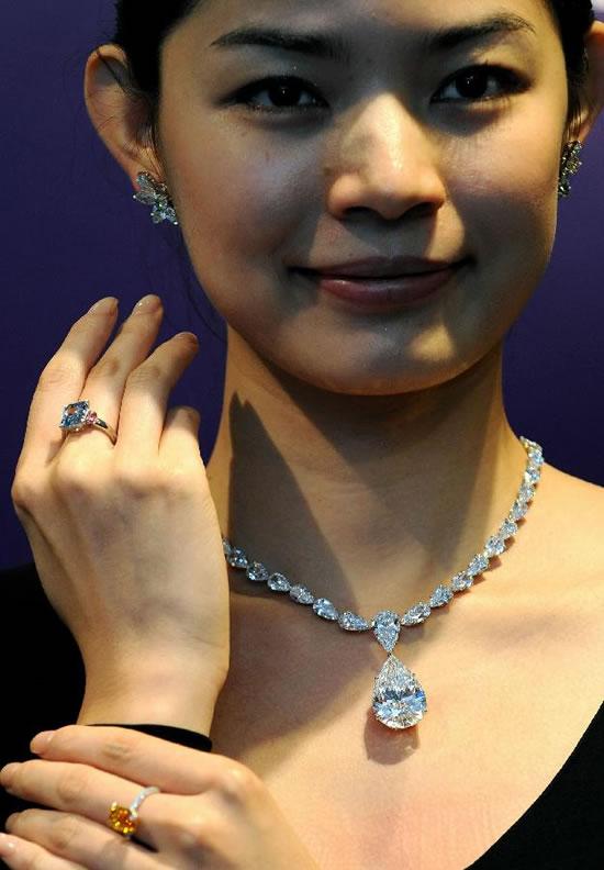 Sotheby-Magnificent-Jewels-and-Jadeite-Autumn-Sale-5.jpg