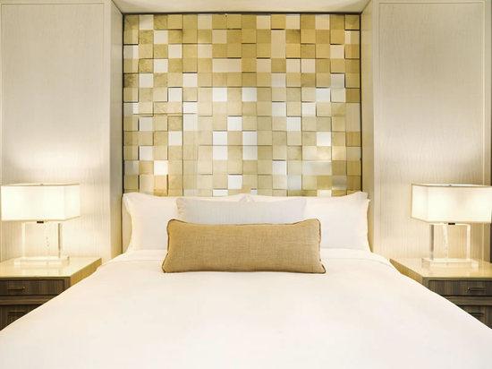 St_Regis_Bal_Harbour_Resort_guestroom.jpg