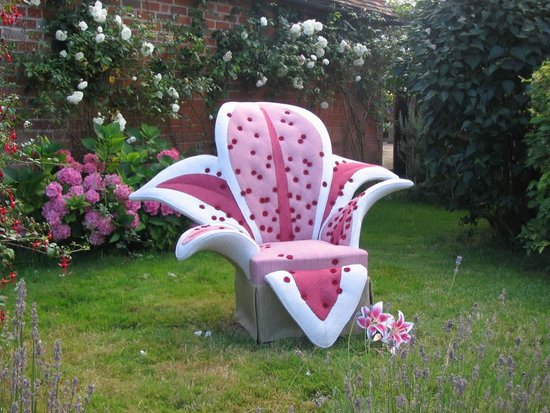 Stargazer_lily_chair.jpg