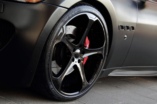 Superior-Black-Edition-GranTurismo-S-5.jpg
