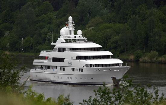 Superyacht-Apoise2.jpg