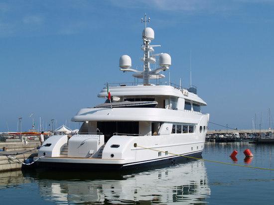Superyacht-Baron-Trenck-2.jpg