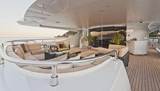 Superyacht-Mondomarine-Manifiq-5.jpg