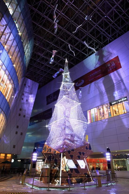 Swarovski-crystal-Christmas-Tree-1.jpg