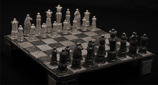 Swarovski-encrusted-chess-set-5.jpg