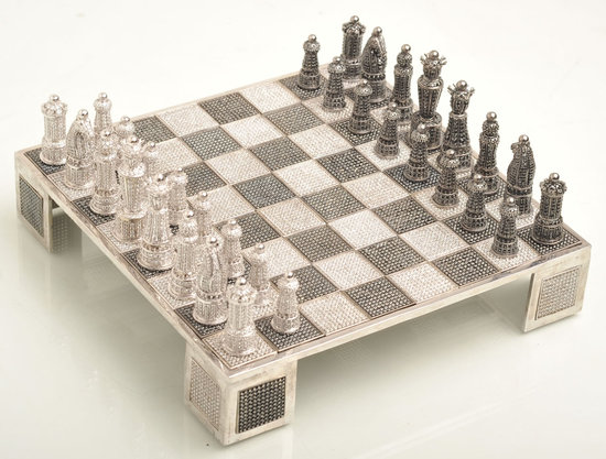 Swarovski-encrusted-chess-set-6.jpg