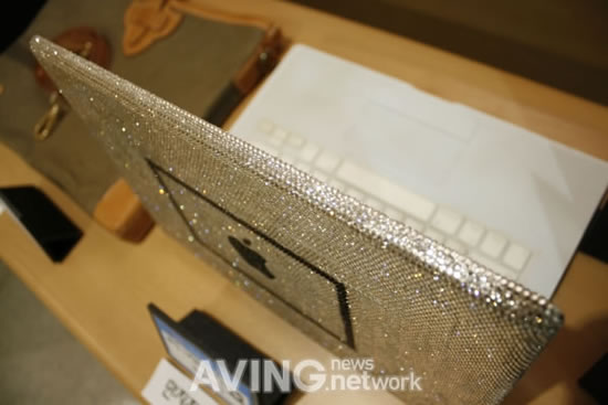 Swarovski_MacBook-2.jpg