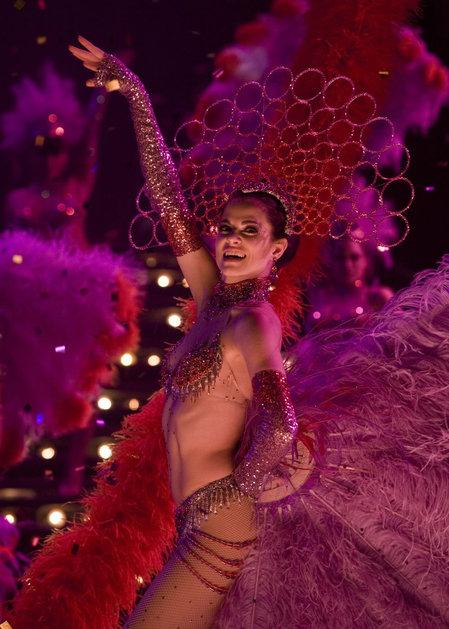Swarovski_costumes_of_movie_Nine2.jpg