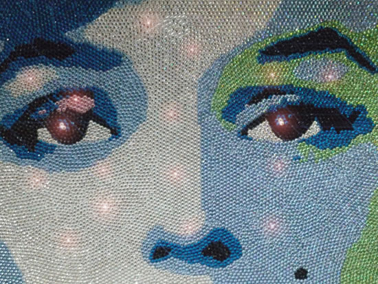 Swarovski_marilyn_monroe_closeup.jpg