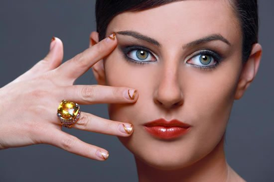 The-Ritz-Manicure-2.jpg