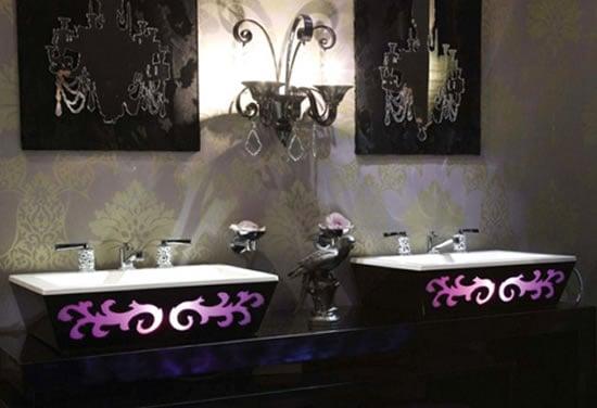 Thg-arabesque-backlit-bathtub_2.jpg