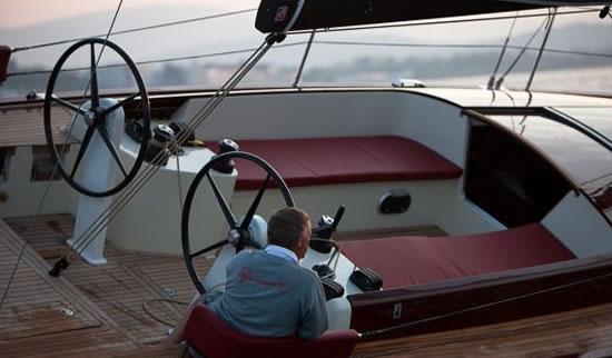 Tofinou-12-luxury-yacht-4.jpg