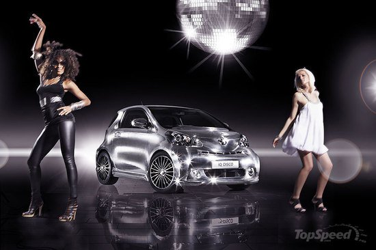 Toyota_iQ_Disco_car4.jpg