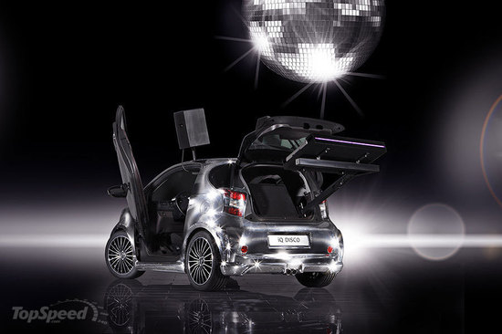 Toyota_iQ_Disco_car5.jpg