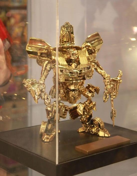 Transformers_Gold_Bumblebee_3.jpg