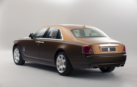 Two-tone-Rolls-Royce-Ghost-bespoke-models-unveiled-at5.jpg