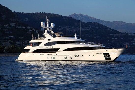 Uber-luxurious-Motor-Yacht-Satori-2.jpg
