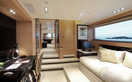 Uber-luxurious-Motor-Yacht-Satori-4.jpg