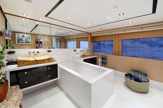 Uber-luxurious-Motor-Yacht-Satori-5.jpg