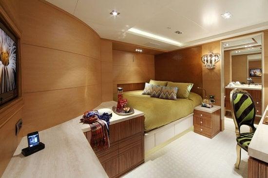 Uber-luxurious-Motor-Yacht-Satori-7.jpg