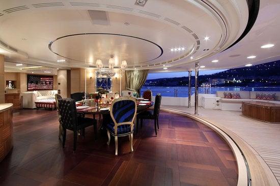Uber-luxurious-Motor-Yacht-Satori-9.jpg