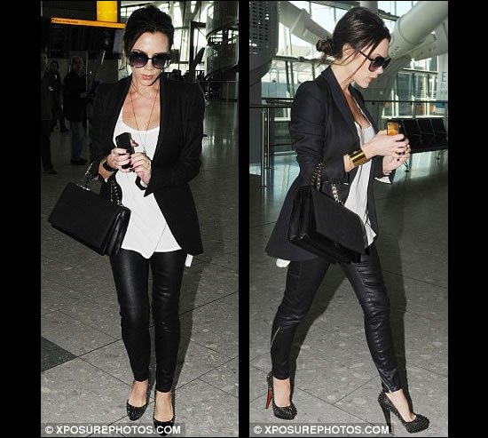 Victoria-Beckham-with-gold-iPhone-5.jpg