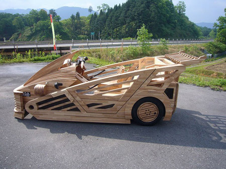 World's_first_wooden_car2.jpg