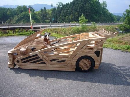 World's_first_wooden_car2.jpg